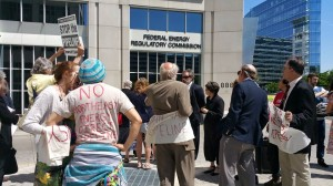 Protesters remain at FERC after being barred from Commission meeting./Photo by BXE
